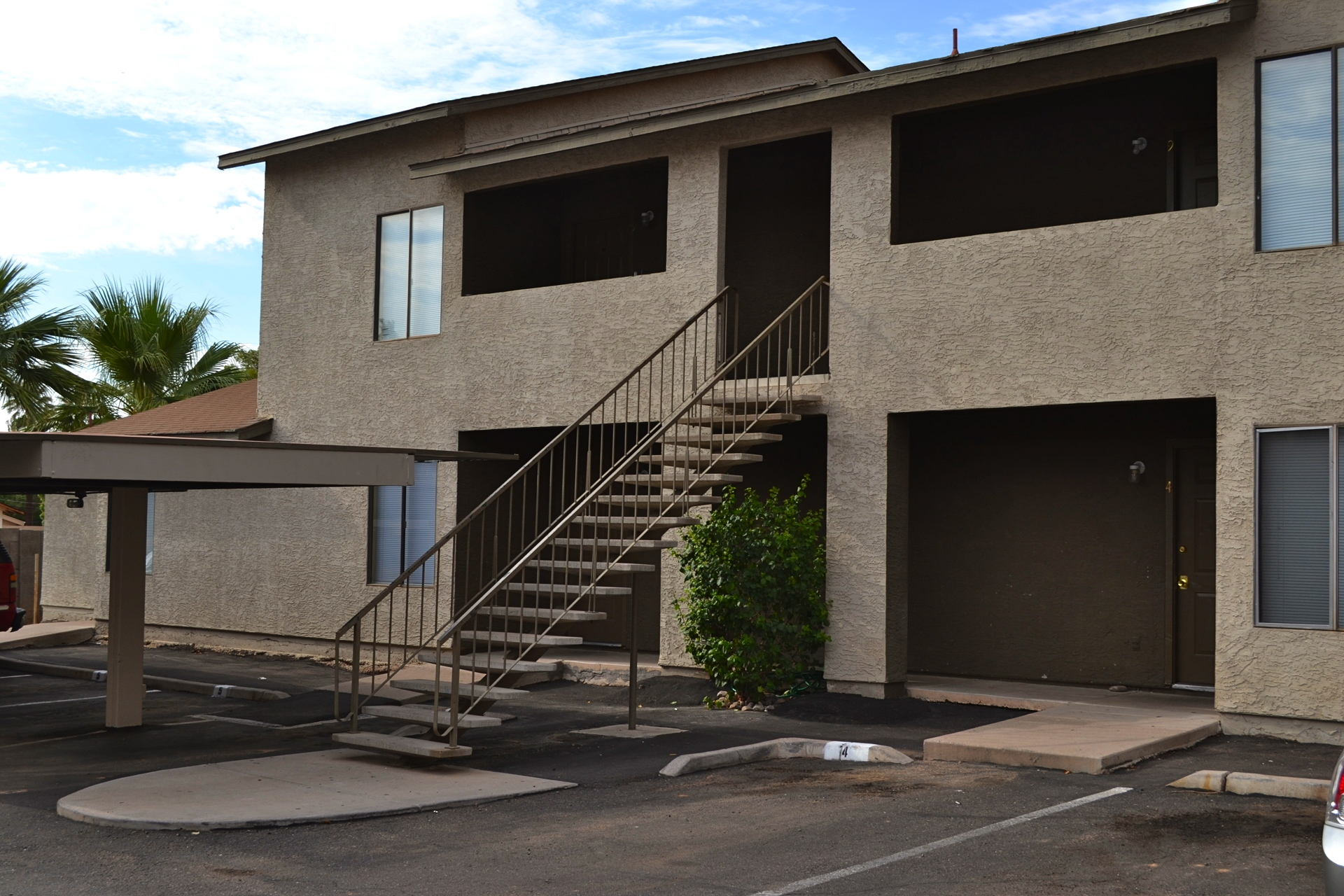 Vestis Group Completes Sale Of 22nd Street Apartments In Phoenix