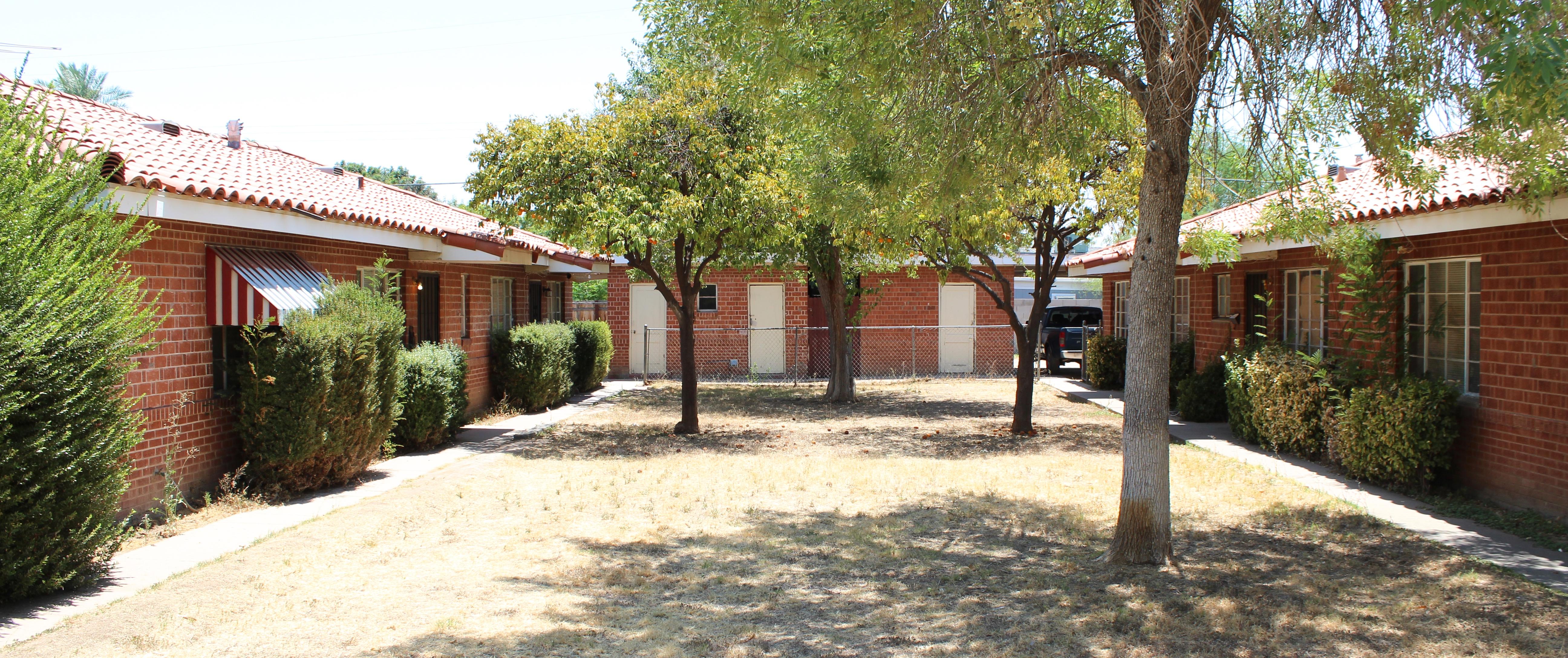 Highland Apartments | Central Phoenix | Vestis Group