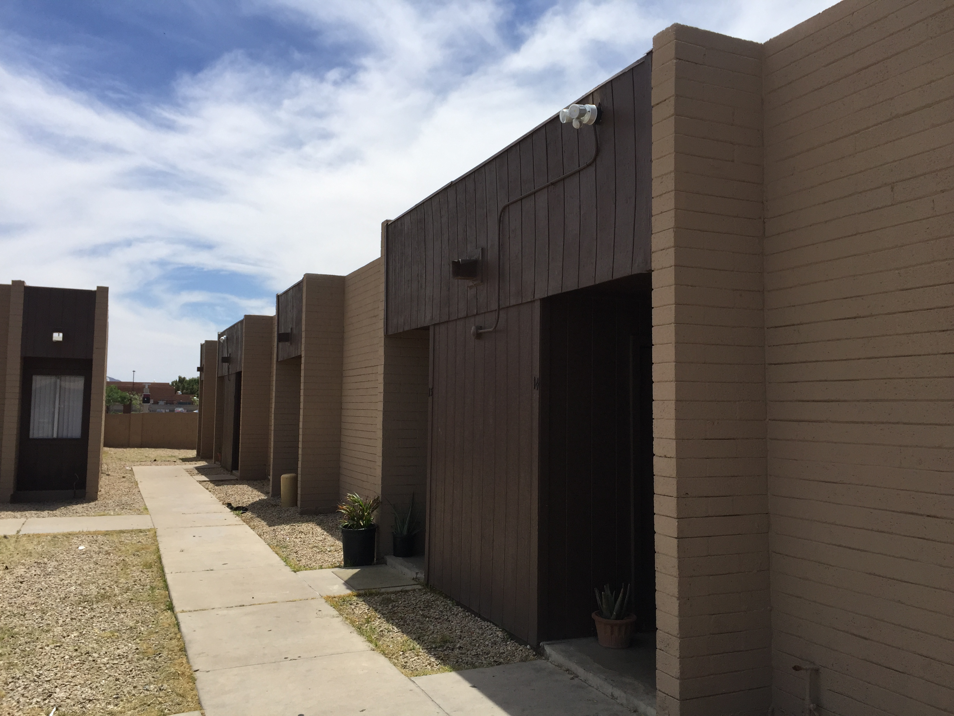 Hill Apartments | 14-Units | Phoenix Multifamily For Sale